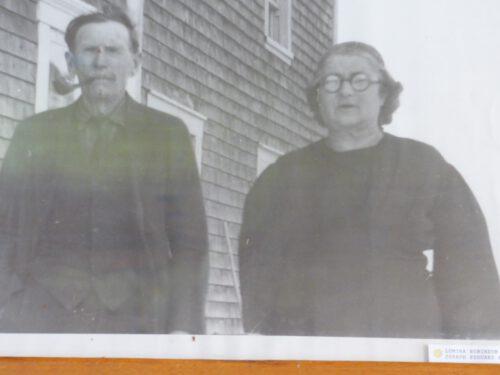 Édouard Fournier (1872-1950) et son épouse Lumina Robinson (1880-1960), photo date : vers 1947, coll. : Hélène Fournier