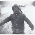 Marcel Pelchat patine sur la rivière, date : 1960, coll. : Jean Pelchat