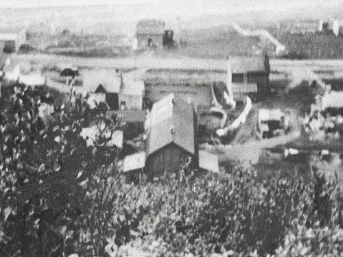 Le garage en haut à gauche, l'année de sa construction, date : 1946, coll. : Blandine Mercier et Ernest Boucher, infographie : Mathieu Boucher