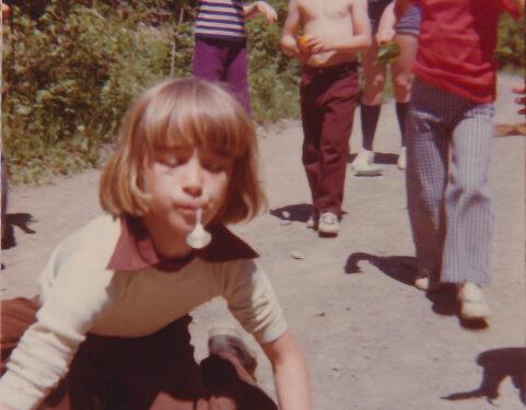 Jeux d'enfants, photo date : été 1974, coll. : Marina Boucher