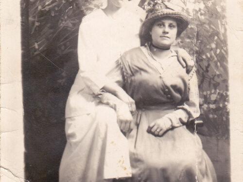 Rose-Aimée Boucher (1899-1978) fille d'Alfred et une amie, date non précisée, coll. Ernest Boucher et Blandine Mercier