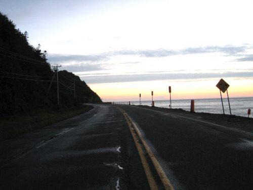 Route 132 vers l'ouest au départ de Manche-d'Épée, date : inconnue, coll. : Marie Fournier