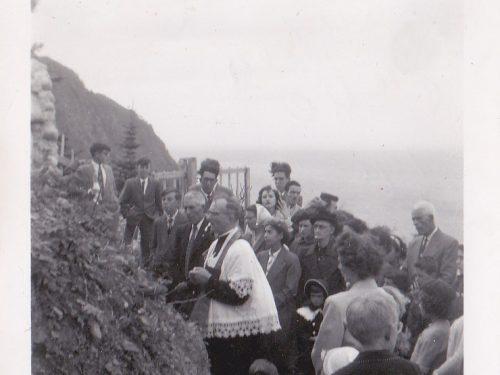 Cérémonie de bénédiction de la grotte, date : 1953, coll. : Ernest Boucher et Blandine Mercier.