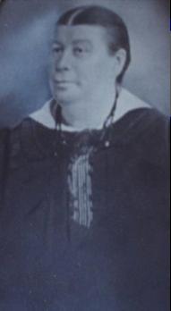 Marie-Anne Chenel dite Mary (1863-1926), épouse Joseph fils en 1885, date non précisée, coll. : Mario Lévesque