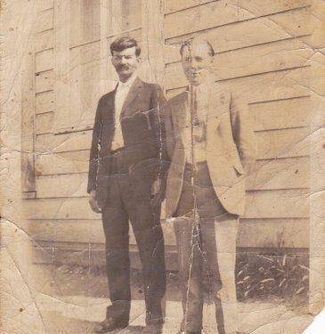 Stanislas Fournier (1872 - ?) et un inconnu, photo date : inconnue; coll. : Marguerite Boucher