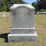 Pierre tombale de Eugène Boucher et [M]Alvina Fournier, date : 2018, photo :Camille Pelchat