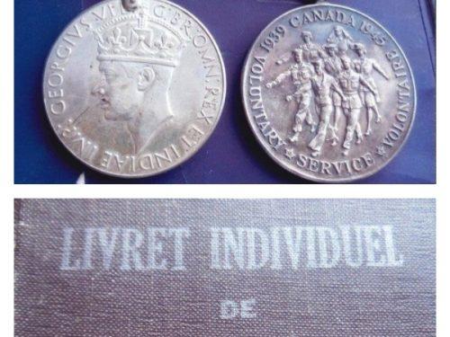 En haut : médailles remises à Paul Ouellette à titre posthume (à droite, Médaille canadienne volontaire) et son livret de service, coll. : Serge Ouellette