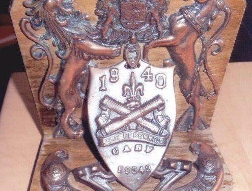 Plaque commémorative aux armoiries du Régiment de la Chaudière, coll. : Serge Ouellette
