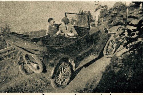 La première voiture à circuler dans la municipalité, date : 1920, source : M. Plamondon, Notes historiques sur la paroisse de Madeleine, p.96.