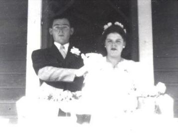 Germain Blanchette et Aurélie Synnett à leur mariage le 17 novembre 1946, coll. : Mario Lévesque