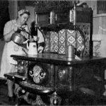 Aimée Lemieux (1887-1970), maîtresse d'école surtout connue sous le nom de madame Venant Fournier, date inconnue, source : Revue d'histoire de la Gaspésie, no 68, 1979