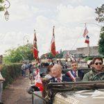 Défilé en l'honneur des vétérans, au premier plan Léon Gagné, date : juin 1994, coll. : Joël Aubin