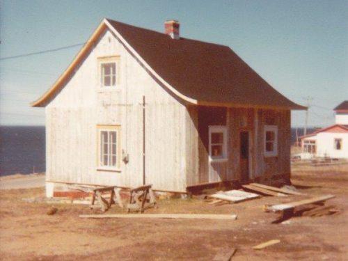 Maison des Béland en rénovation, mai 1978, photo : Edelbert Blanchette, coll.: Gilles Boucher